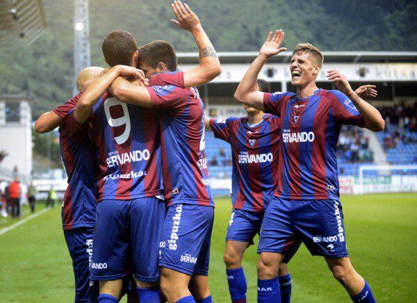 El Eibar ha sorprendido a todos al posicionarse momentáneamente como líder/ Josune Martínez de Albéniz