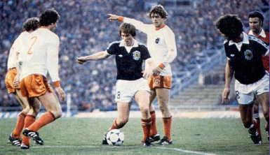 Kenny Dalglish no fue suficiente para garantizar el pase de Escocia/ Getty Images