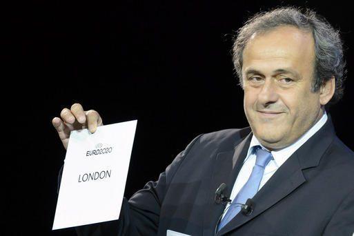 Michel Platini está empecinado en hacer historia como dirigente de la UEFA/ AP
