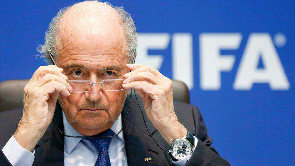 A Blatter lo que mas le preocupa de Catar 2022 son las nacionalizaciones/ Reuters