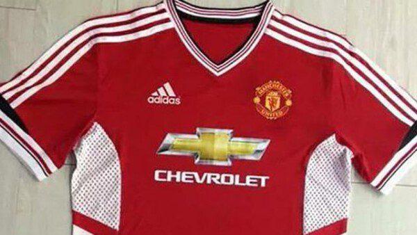 El Manchester United vuelve a vestir Adidas/ T. Fox