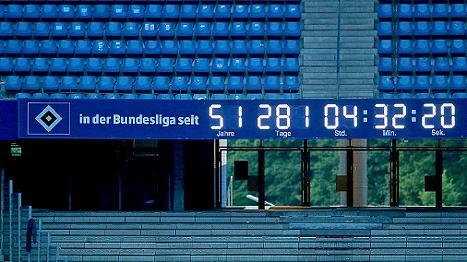 El 'Bundesliga Uhr' de Hamburgo podrá seguir sumando tiempo/ Getty Images