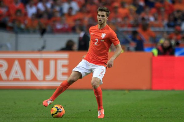 Hay futuro en la zaga de Holanda con Joël Veltman/ AP
