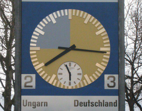 Reloj conmemorativo de la final de 1954 en el Wankdorf de Berna/ Wikimedia