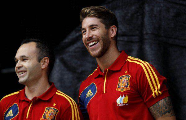 Andrés Iniesta y Sergio Ramos serán líderes inéditos en el próximo Clásico/ Pablo García