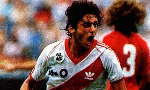 Se cumplen 30 años del mítico partido entre River Plate y la selección de Polonia/ El Gráfico
