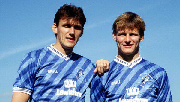 Jugadores como Tony Cascarino y Teddy Sheringham defendieron los colores del Millwall/ MFC