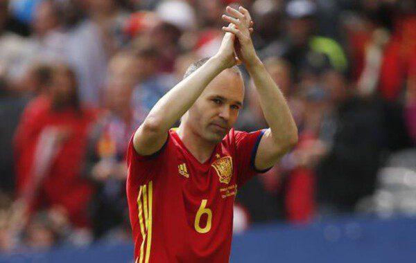 Andrés Iniesta sigue demostrando que merece un Balón de Oro/ AP